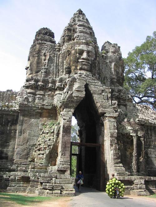 bayon-entrance.jpg