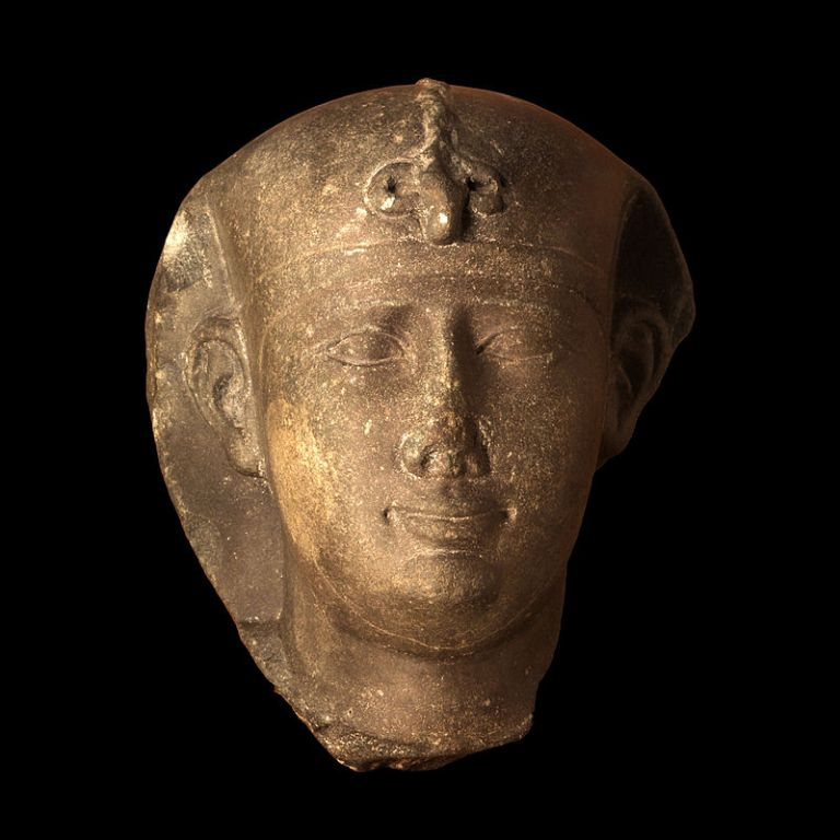 800px-Head_of_Nectanebo_II-MBA_Lyon_H1701-IMG_0204.jpg