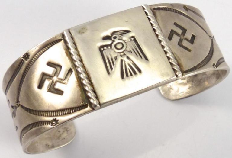 Swastika_ThunderBird.jpg