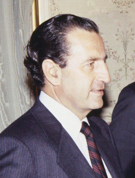 (Rodrigo_Borja)_Felipe_González_junto_al_presidente_de_Ecuador._Pool_Moncloa._12_de_septiembre_de_1989_(cropped)